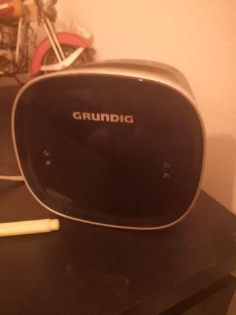 Radio budzik BT Grundig