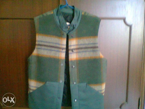 Colete ( tecido 100% lã)