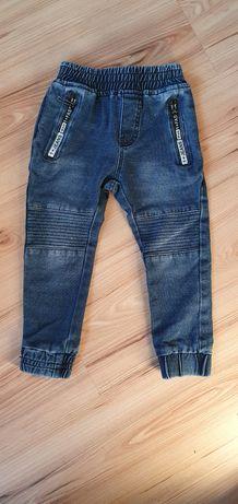 Dżinsy chłopięce r. 98 cm