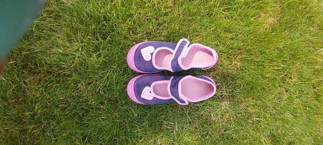 Kapcie, sandały, rozmiar 34