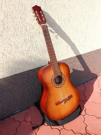 Sprzedam gitarę klasyczną SONATA