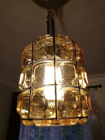 Lampa wisząca /lampion w dawnym stylu tradycyjnym (retro).