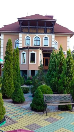 Дом возле р. Днепр в Сокирно