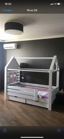 Детская  кровать / Кроватка-домик