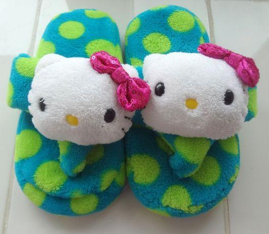 Мягкие фирменные тапочки Hello Kitty для девочки