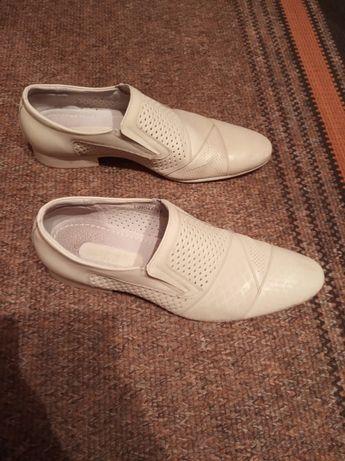 Продам чоловічі туфлі