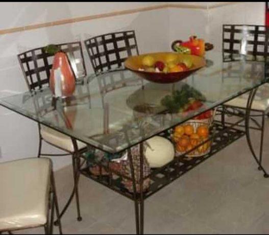 Conjunto Mesa e Cadeiras de Cozinha/Sala