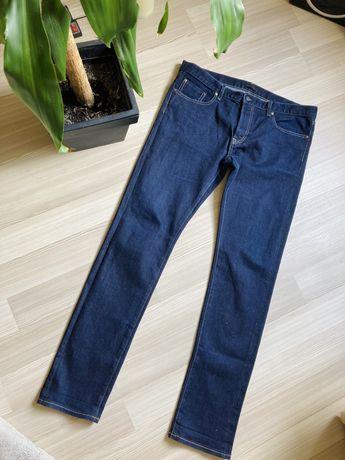 Мужские джинсы uniqlo зауженные