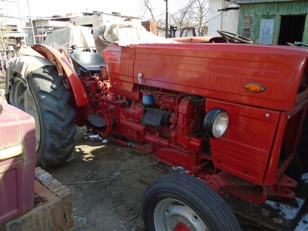 трактор ,мини трактор Universal 445 ,румын