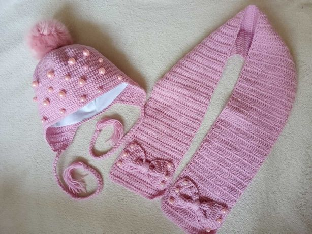 Комплект на девочку шапка и шарфик. Ручная работа.
