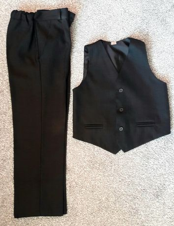 Garnitur kamizelka i spodnie 134
