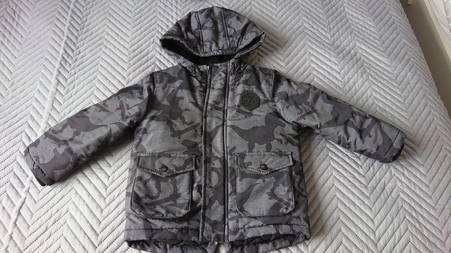 Zimowa kurtka firmy f&f dla chłopca w rozmiarze 92