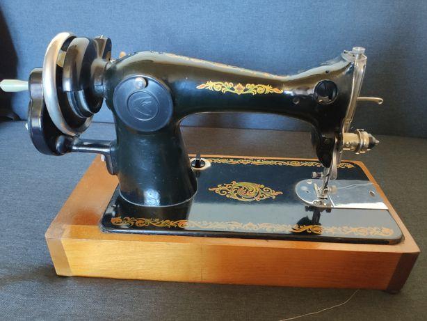 Швейная машина Подольск 2м