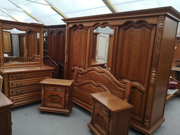 Dębowa sypialnia szafa drzwi przesuwne komoda łóżko z 2 szafkami