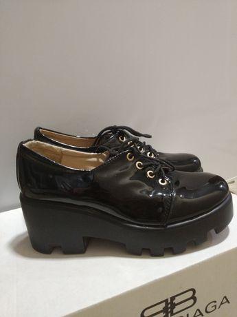 Лаковые туфли на платформе 37 размер