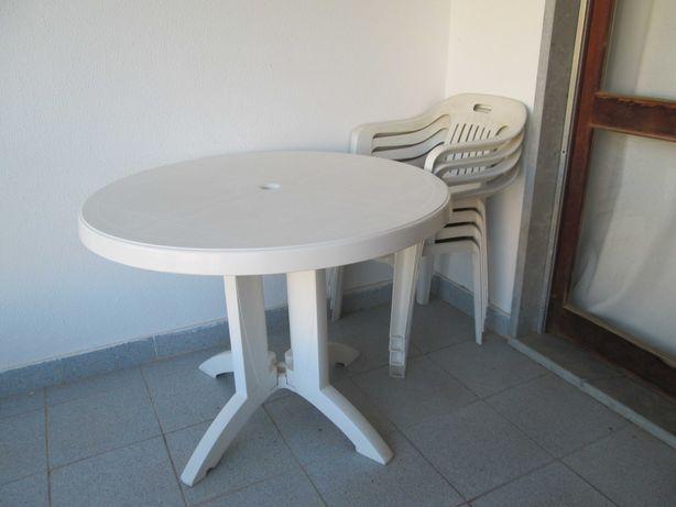 mesa de jardim articulada