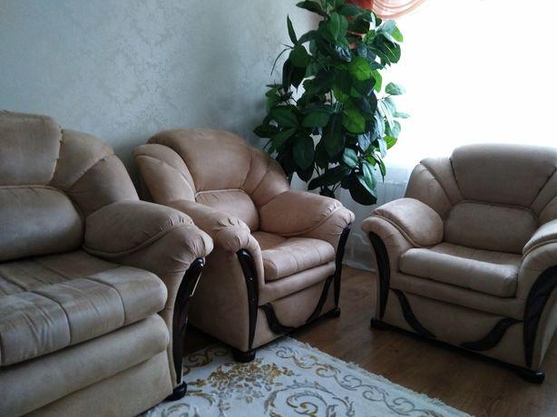 Продам диван + 2 кресла цена снижена