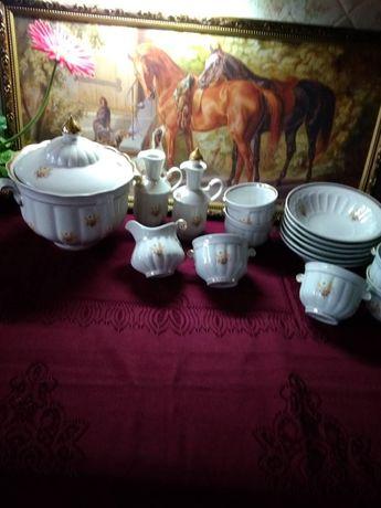 Сервиз,пельменный набор,супница,бульонницы,тарелки,соусник,графи