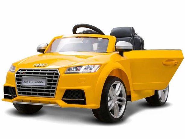 Машинка детская на аккумуляторе с пультом новая Audi