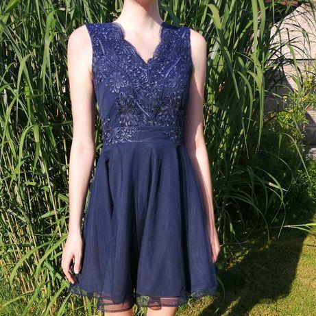 Elegancka sukienka z tiulem dla wysokiej dziewczyny do180cm wzrostu.