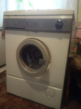 Стиральная машинка / стиральная машина