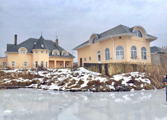 Два красивых дома у реки. Охраняемый КГ.