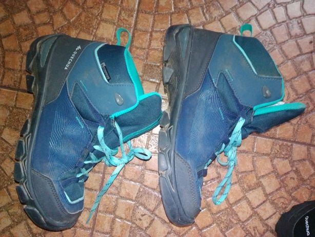 Buty trekkingowe chłopiec dziewczynka ze sklepu Decathlon