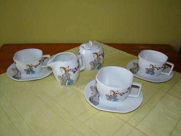 Zestaw kawowo herbaciany z cukierniczką i dzbanuszkiem na mleko