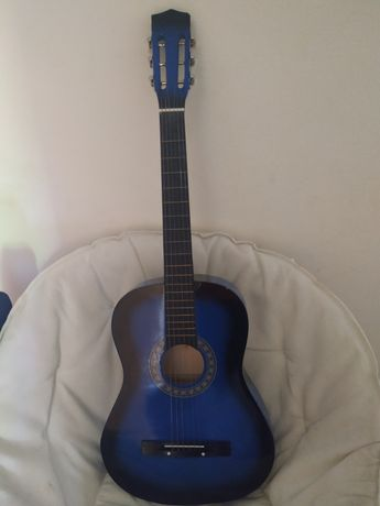 Guitarra e mala.