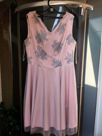 Sukienka różowa na imprezę bez ramiączek