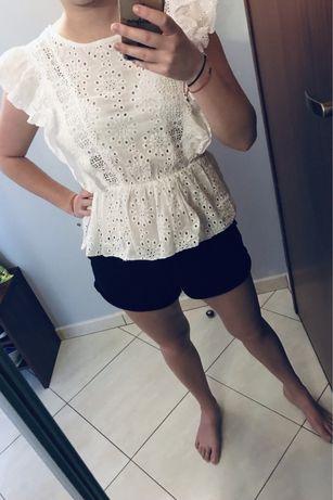Biała ażurkowa bluzka na lato hit