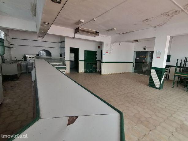 Loja, 152 m², Almancil