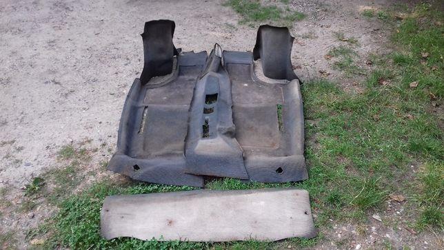 Fiat 126p wnętrze,zderzaki,podsufitka,wykładziny,dywaniki