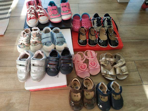 Vendo calçado de menina do 18 ao 26. Varias marcas