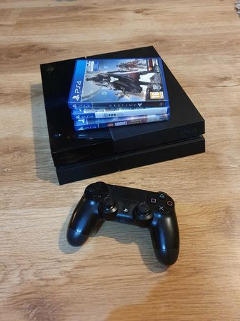 Playstation 4 PS4 500GB + 3 gry, pad