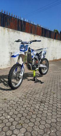 Yamaha yzf 450 cc(matriculada)25kw
