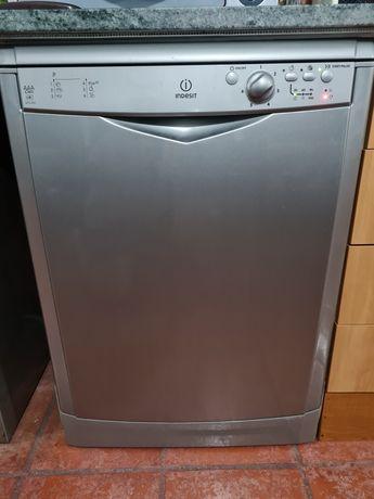 máquina lava louça cor cinzento