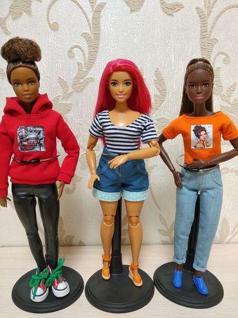 Barbie made to move, Барби