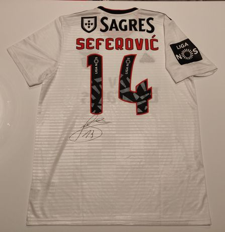 Camisola SL Benfica Seferovic