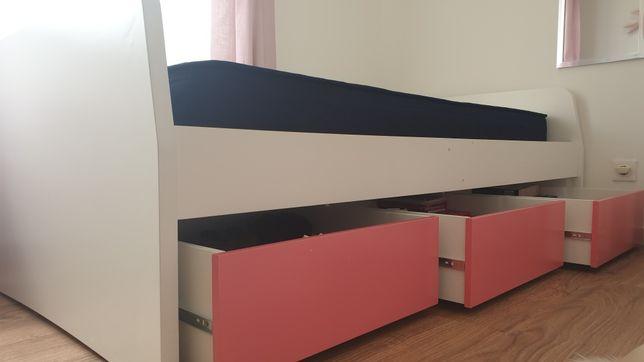 Cama individual c/gavetas e estantes