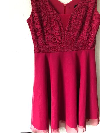 Malinowa sukienka wieczorowa