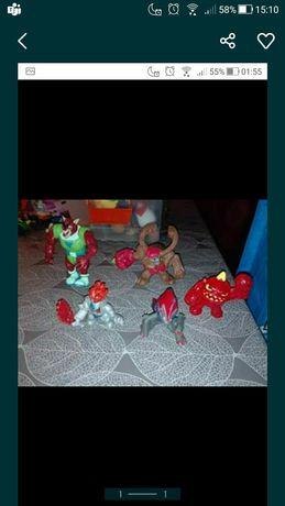 Conjunto com várias figuras