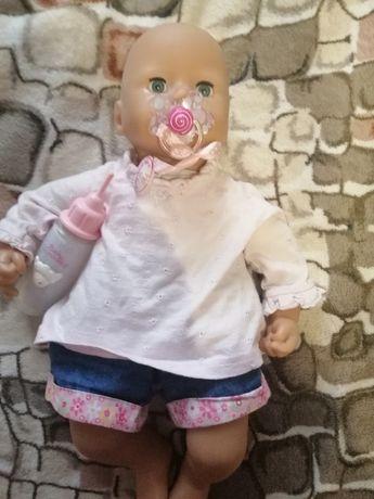 Кукла анабель, соска, бутылка.