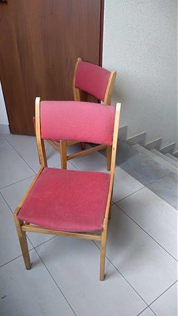 Krzesła z czerwonym obiciem sprzedam