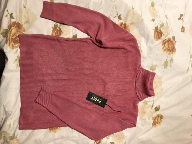 Продам новый мягкий свитер