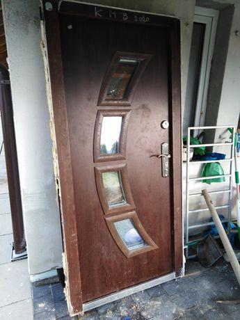 Drzwi zewnętrzne stalowe Rezerwacja