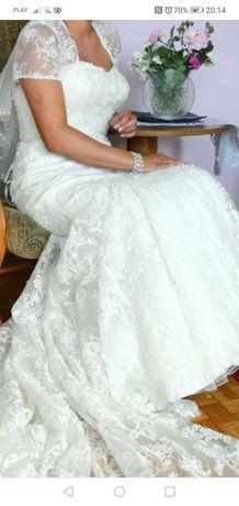 Suknia ślubna rozm. 38 - 40 koronkowa