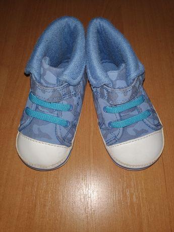 Пинетки кроссовки кеды ботинки 6-9 мес.