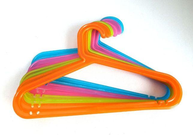 Wieszaki dziecięce Bagis Ikea 56 sztuk