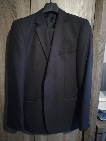 Sprzedam kompletny garnitur